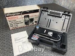 Snap-On Vacuum Leak Detector & Transmitter AC6600 with Case